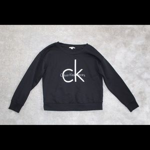 Super cute Calvin Klein sweatshirt only worn twice